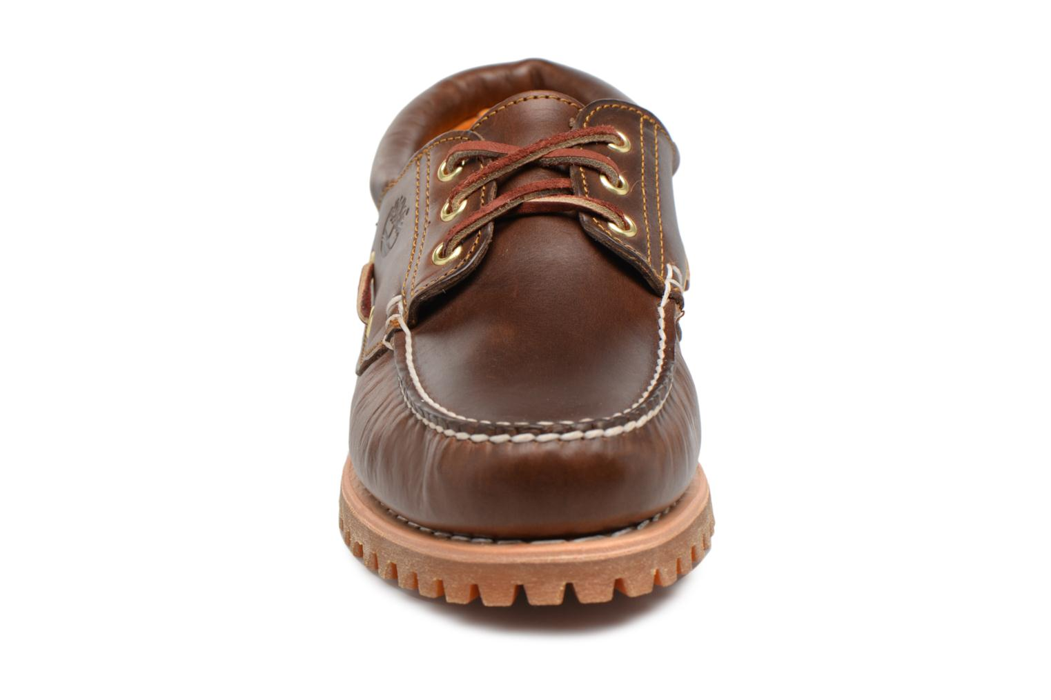 Authentics 3 Eye Classic Brown pull up
