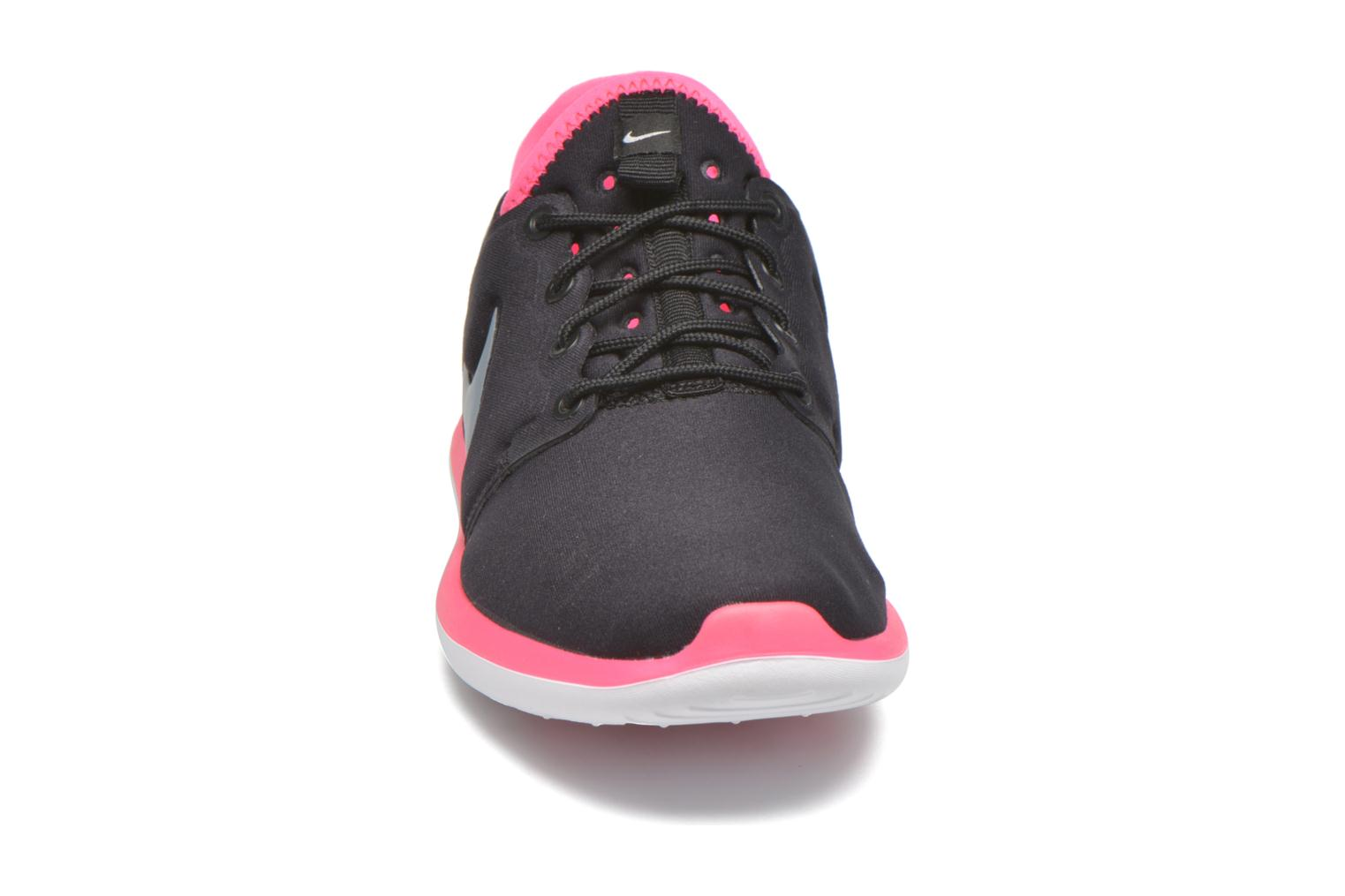 Baskets Nike Nike Roshe Two (Gs) Noir vue portées chaussures
