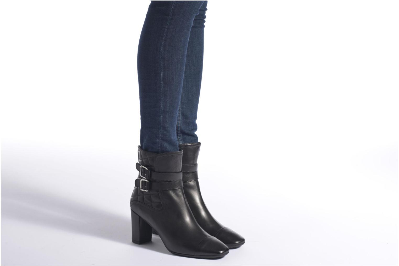 Bottines et boots L.K. Bennett CHARLIZE Noir vue bas / vue portée sac