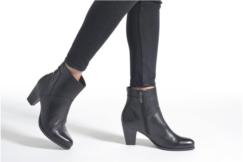 Bottines et boots Tamaris Dianella Noir vue bas / vue portée sac