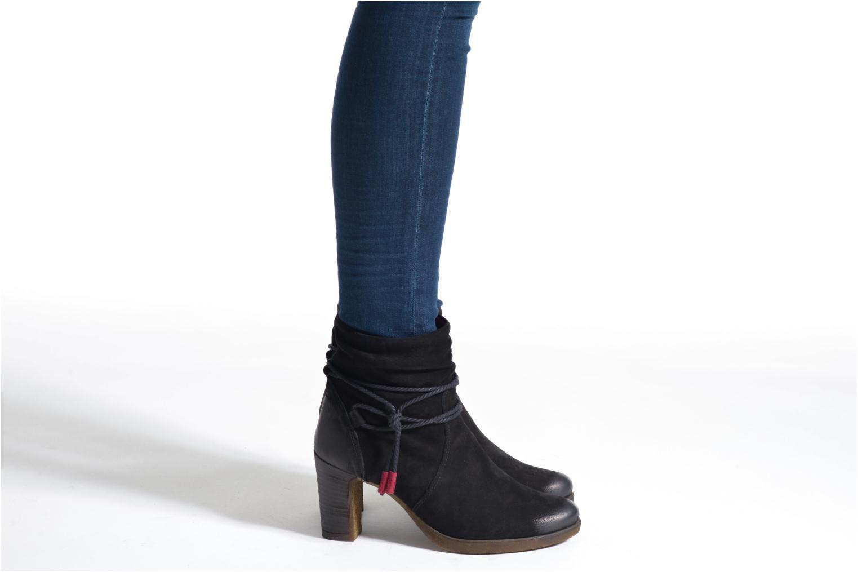 Bottines et boots Tamaris Khadia Noir vue bas / vue portée sac