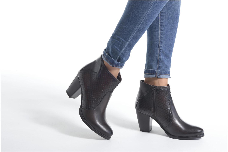 Bottines et boots Tamaris Lycoris Marron vue bas / vue portée sac