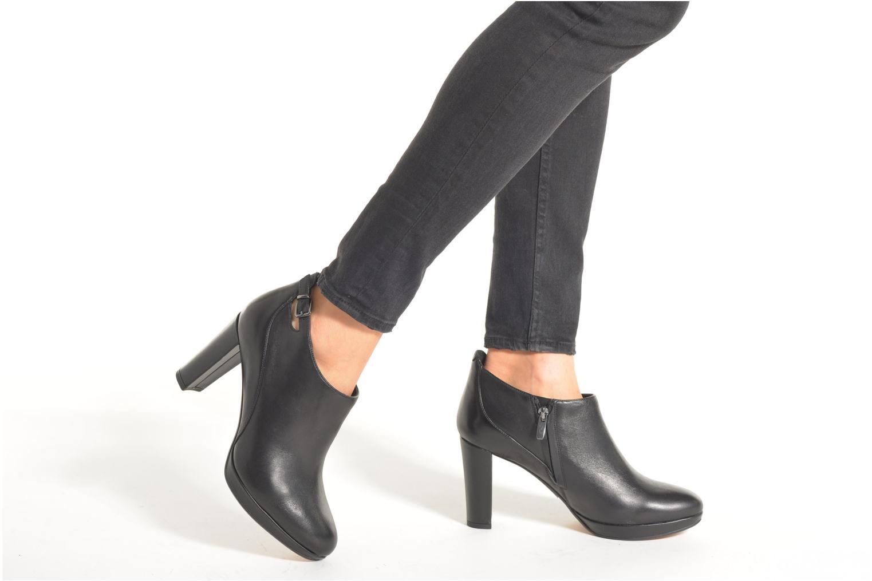 Bottines et boots Clarks Kendra Spice Noir vue bas / vue portée sac