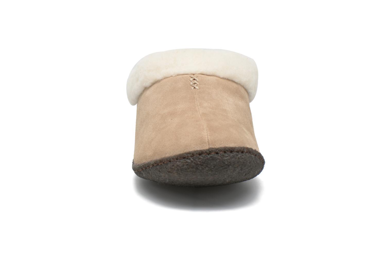 Chaussons Sorel Nakiska Beige vue portées chaussures
