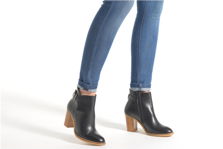 Bottines et boots Georgia Rose Acrepe Marron vue bas / vue portée sac