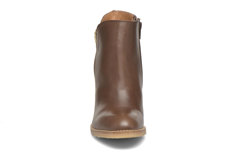 Bottines et boots Georgia Rose Acrepe Marron vue portées chaussures