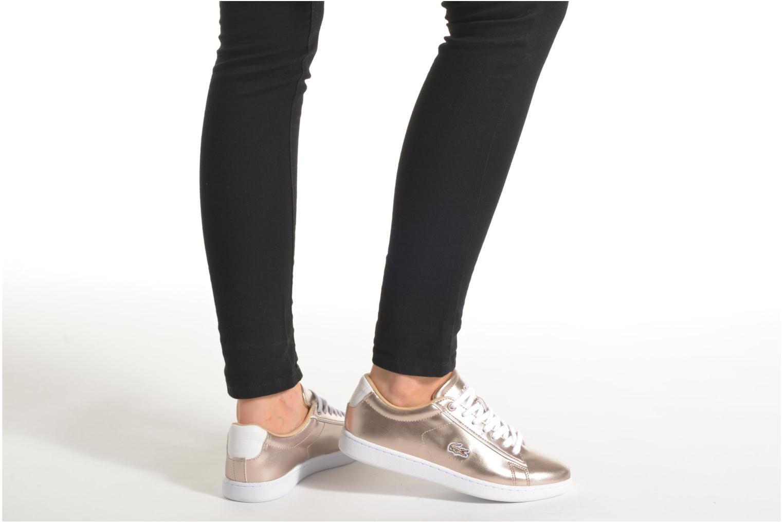 Sneaker Lacoste Carnaby Evo 316 2 gold/bronze ansicht von unten / tasche getragen