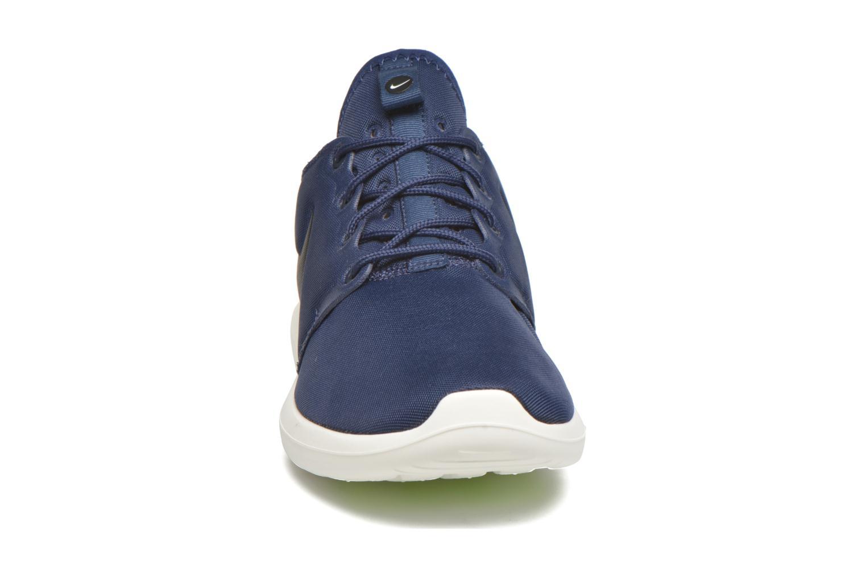 Baskets Nike Nike Roshe Two Bleu vue portées chaussures