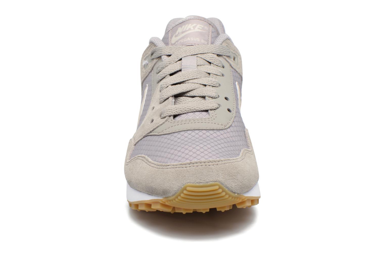 Baskets Nike Nike W Air Pegasus '89 Gris vue portées chaussures