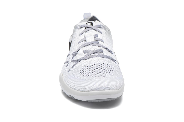Chaussures de sport Nike W Nike Free Tr Focus Flyknit Blanc vue portées chaussures
