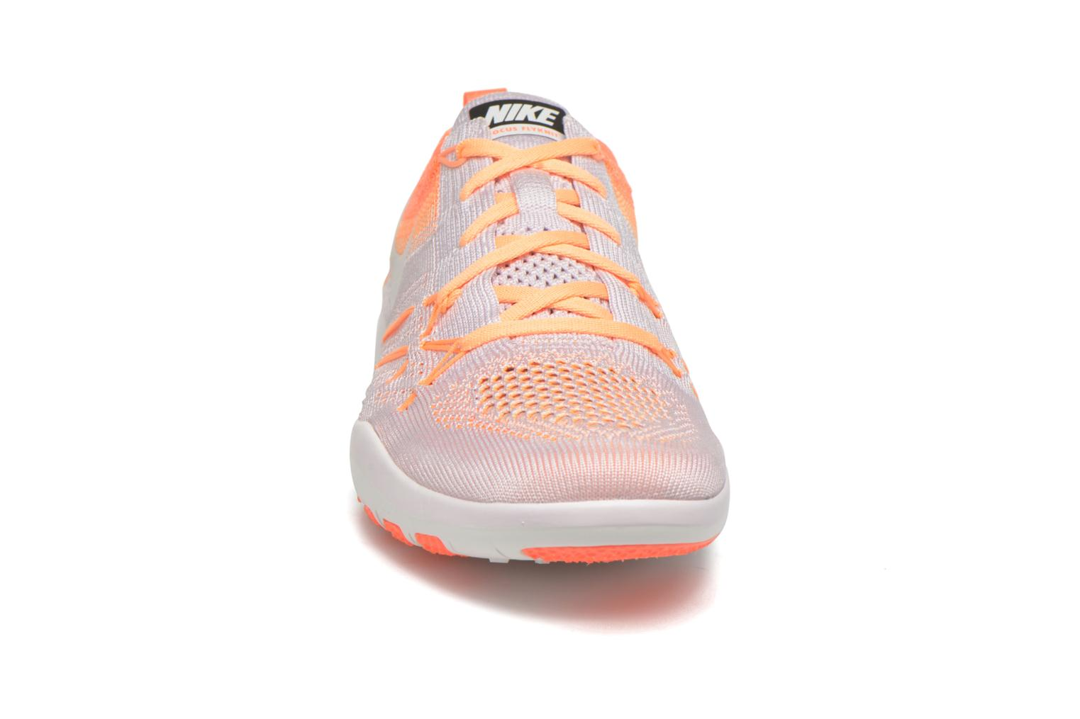 Chaussures de sport Nike W Nike Free Tr Focus Flyknit Rose vue portées chaussures