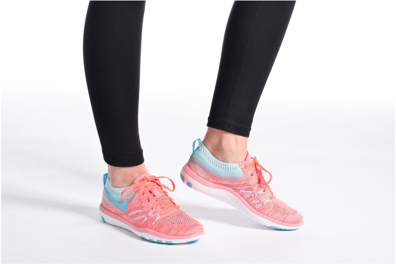 Sportschuhe Nike W Nike Free Tr Focus Flyknit blau ansicht von unten / tasche getragen