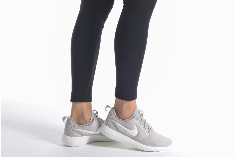Sneaker Nike W Nike Roshe Two schwarz ansicht von unten / tasche getragen