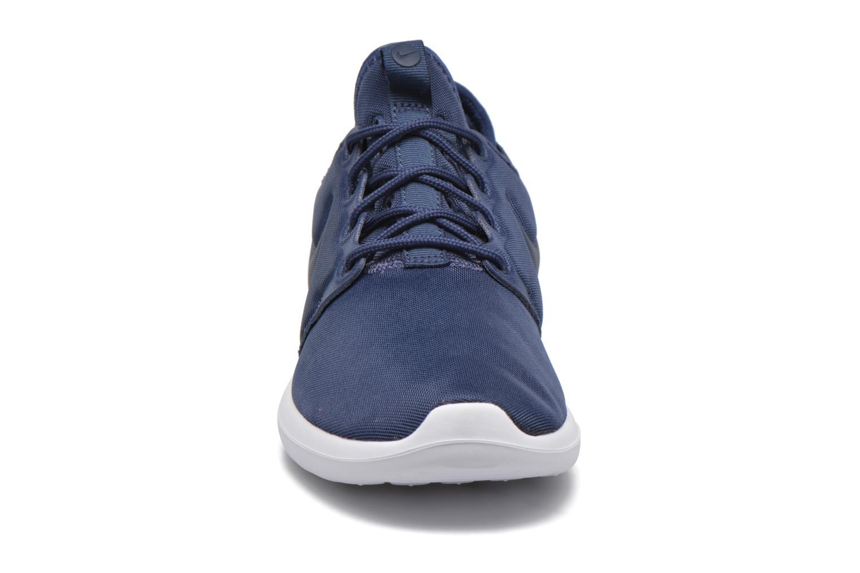 Baskets Nike W Nike Roshe Two Bleu vue portées chaussures