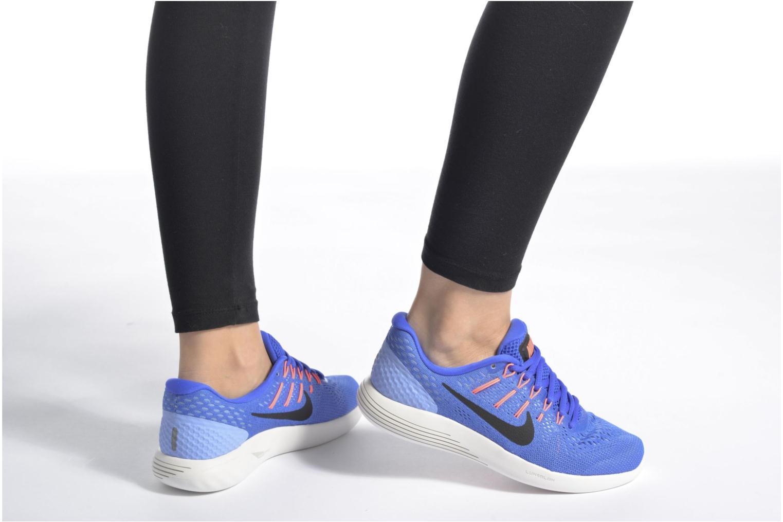 Chaussures de sport Nike Wmns Nike Lunarglide 8 Noir vue bas / vue portée sac
