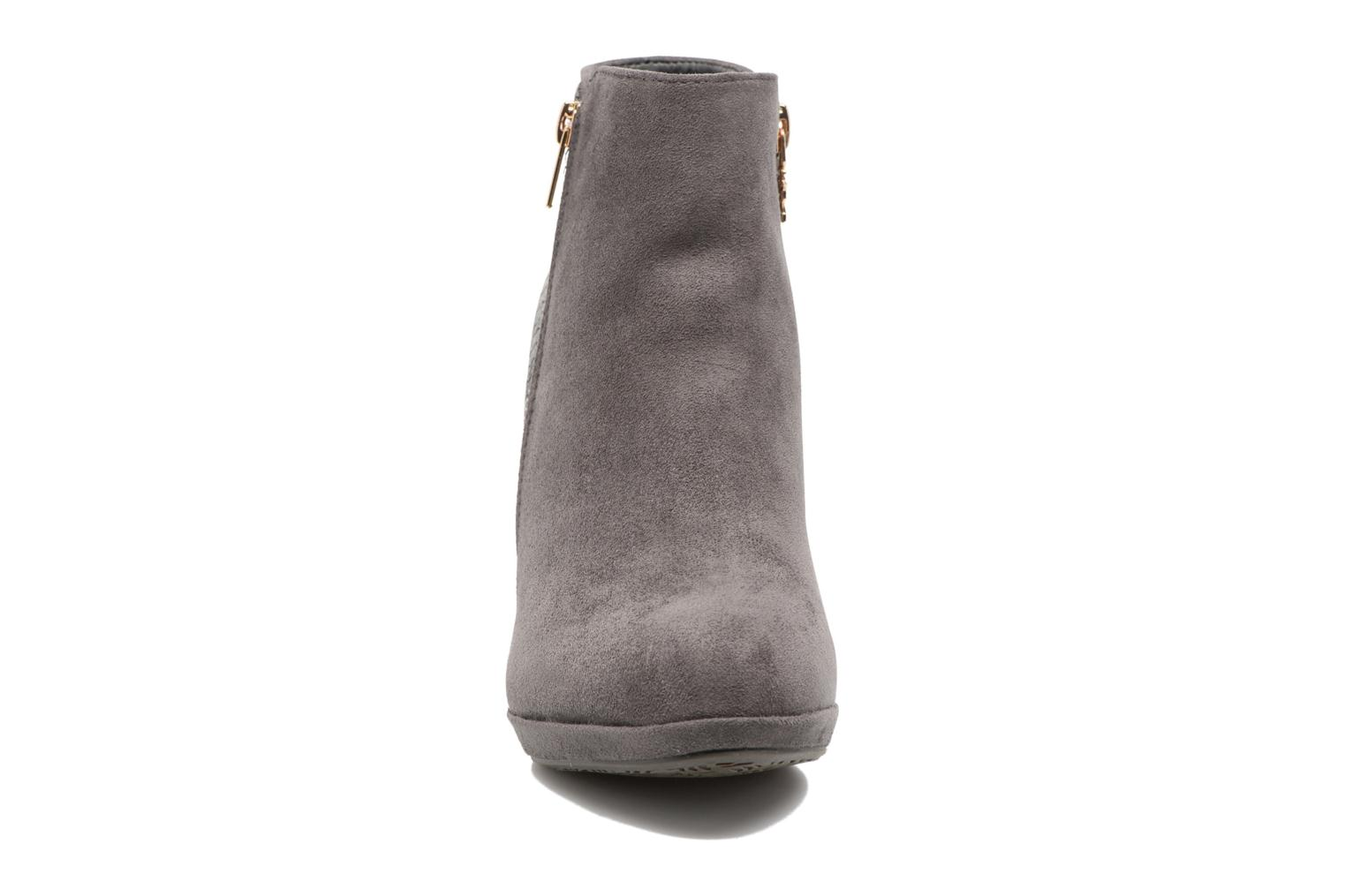 Ankle boots Xti Fresia-30222 Grey model view