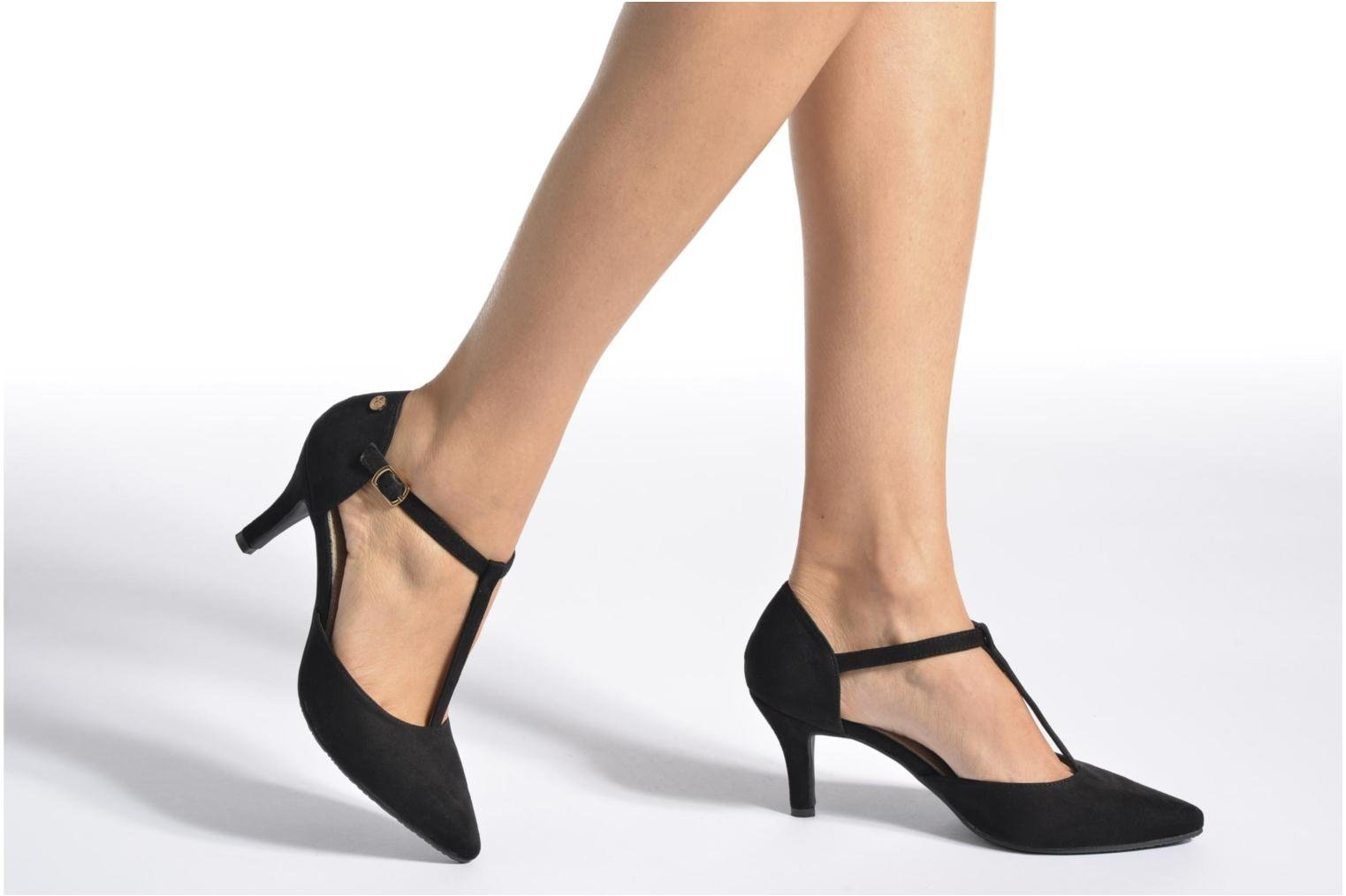 High heels Xti Louna-30242 Black view from underneath / model view