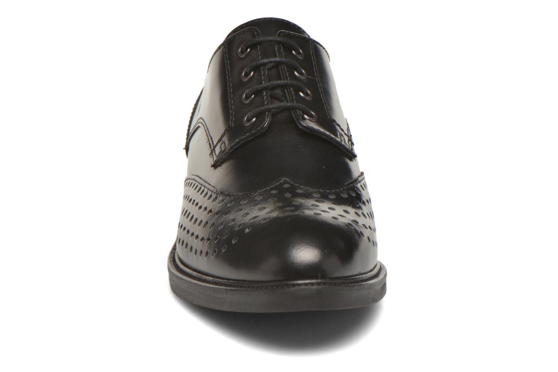 Schnürschuhe Minelli Elmé schwarz schuhe getragen