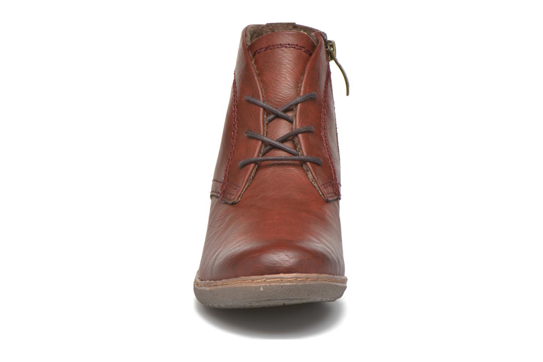 Bottines et boots Hush Puppies JULIA Marron vue portées chaussures