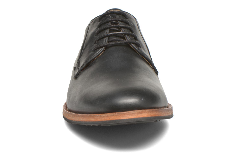 Zapatos con cordones Hush Puppies Kurtis Negro vista del modelo