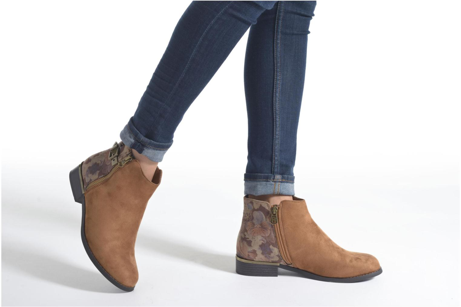 Ankle boots Refresh Marbré 62296 Brown view from underneath / model view