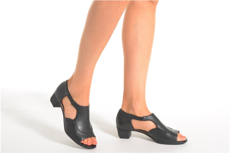 High heels Camper Beth 22105 Black view from underneath / model view