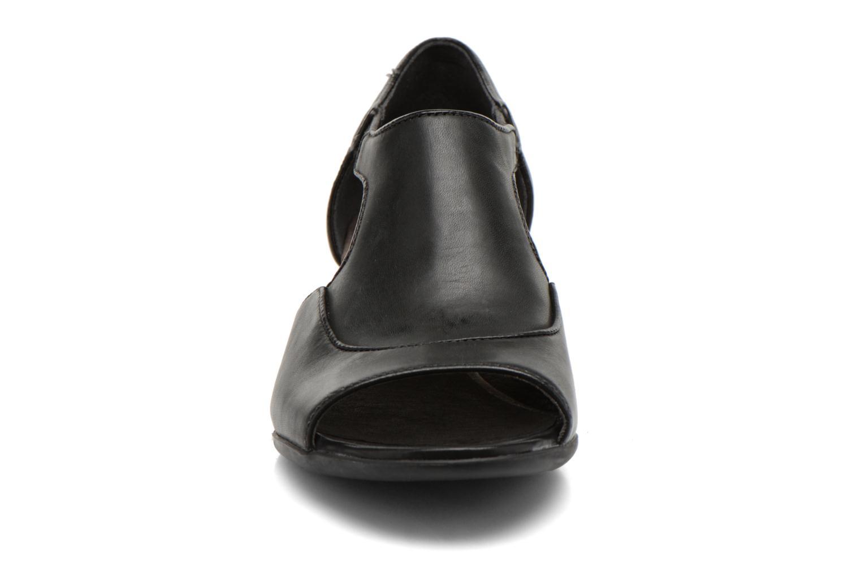 High heels Camper Beth 22105 Black model view