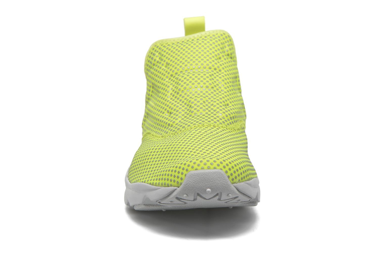 Baskets Reebok Furylite Slip-On Rd Jaune vue portées chaussures