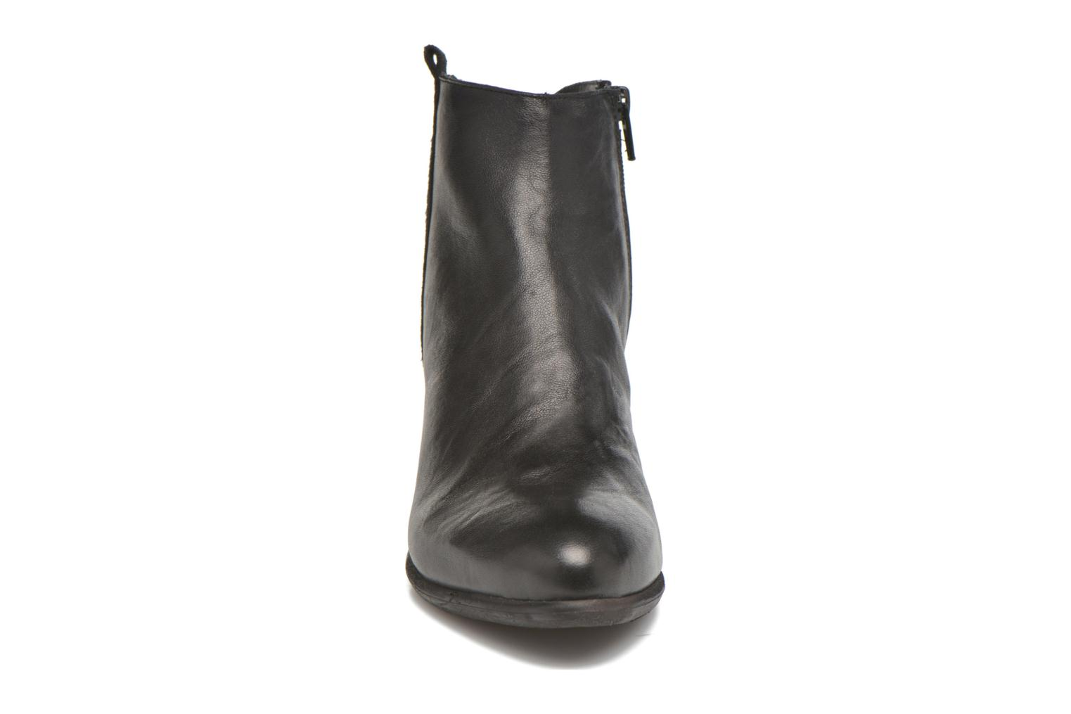 Ankle boots Khrio Julia Black model view