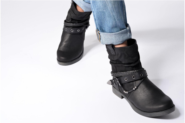Bottines et boots MTNG Fausta Noir vue bas / vue portée sac