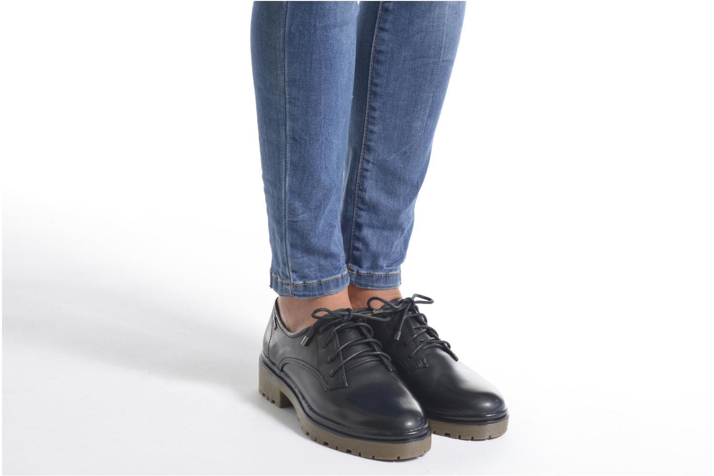 Chaussures à lacets MTNG Erik Noir vue bas / vue portée sac