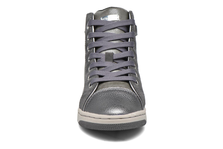 Sneaker Geox J Creamy E J62L5E grau schuhe getragen
