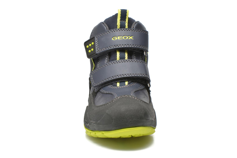 Bottines et boots Geox J N.Savage B.C J641VC Bleu vue portées chaussures