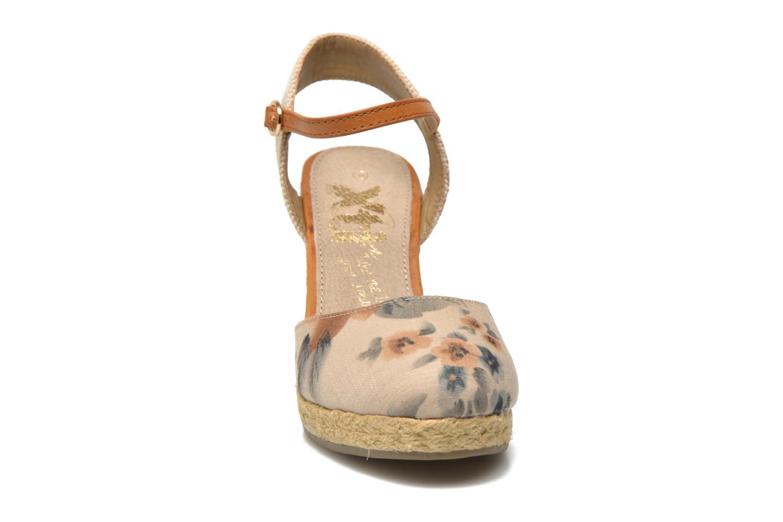 Sandales et nu-pieds Xti Seeland 45873 Marron vue portées chaussures