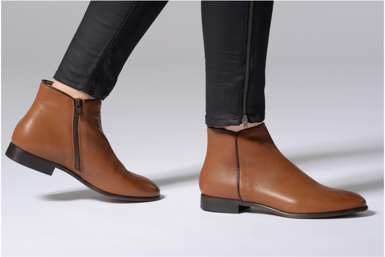 Bottines et boots Georgia Rose Anouping Marron vue bas / vue portée sac