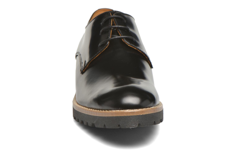 Zapatos con cordones Georgia Rose Nicran Negro vista del modelo