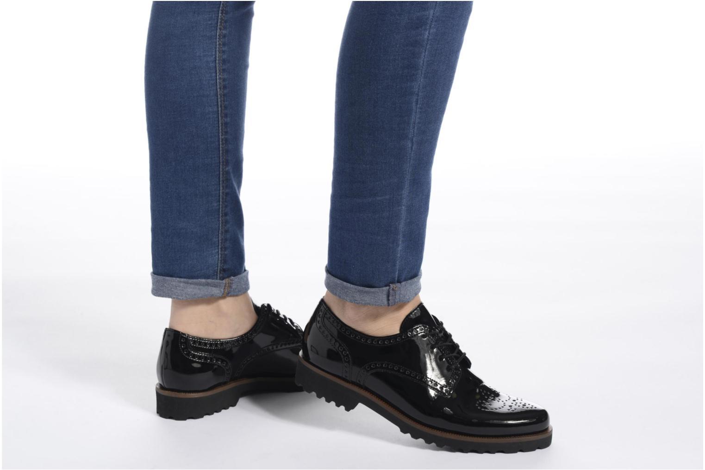 Chaussures à lacets Gabor Arielle Noir vue bas / vue portée sac