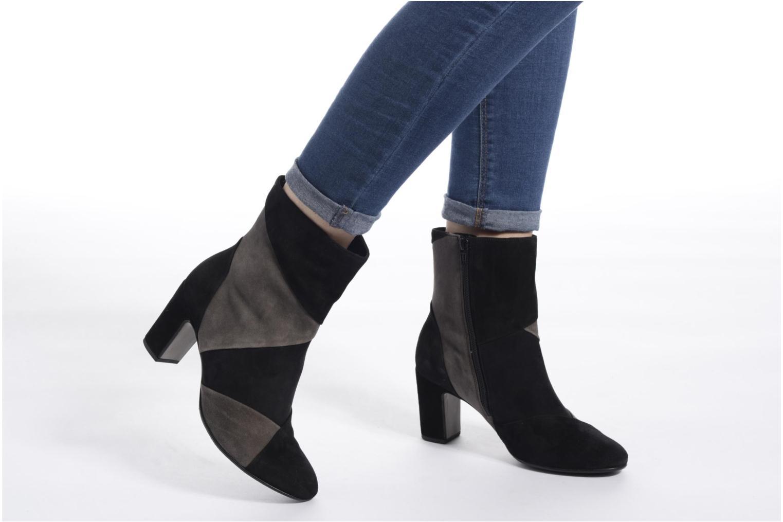 Bottines et boots Gabor Lamia Noir vue bas / vue portée sac