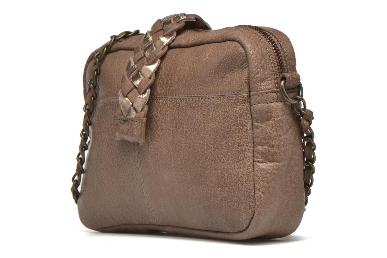 Sacs à main Pieces PIVO Leather Crossbody bag Beige vue portées chaussures