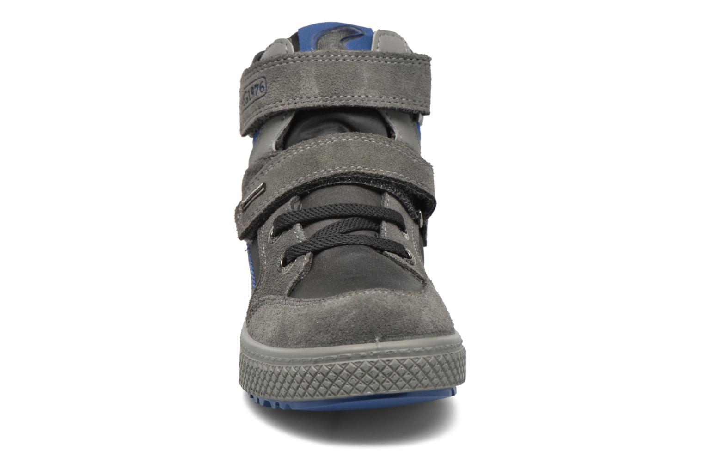 Sneaker Primigi Otty-E grau schuhe getragen