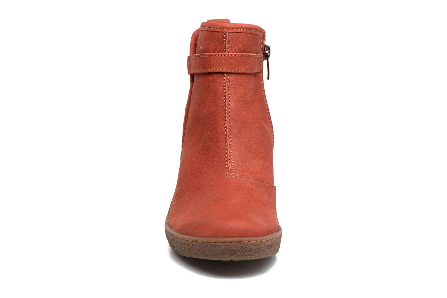 Ankle boots El Naturalista Lichen NF71 Red model view