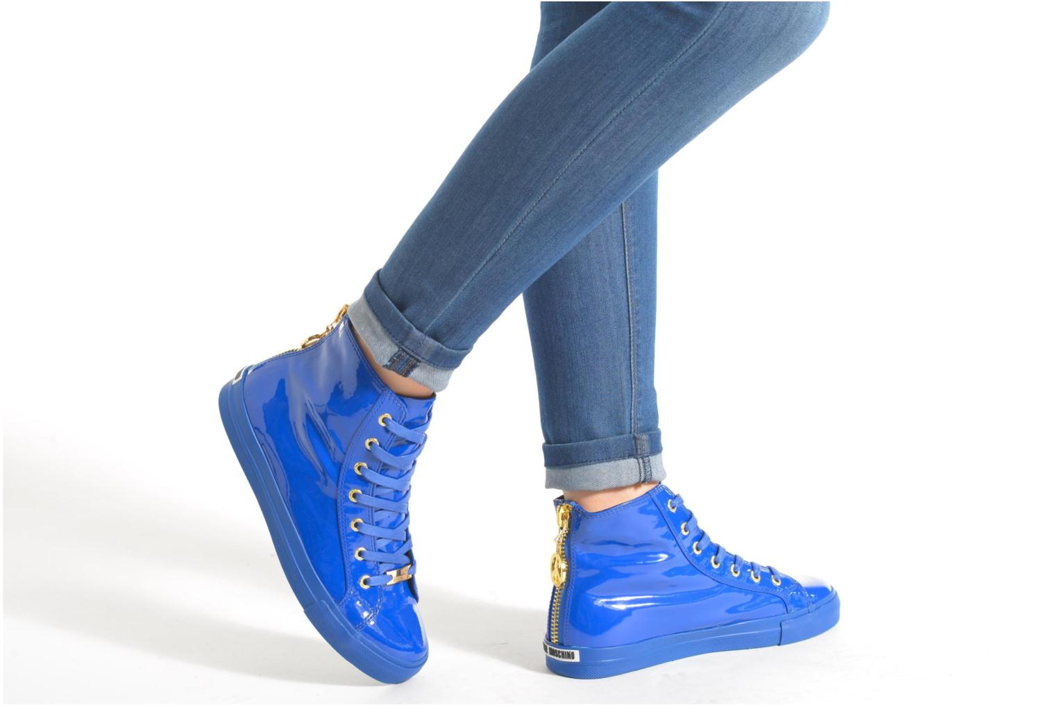 Trainers Love Moschino Ocean Blue view from underneath / model view
