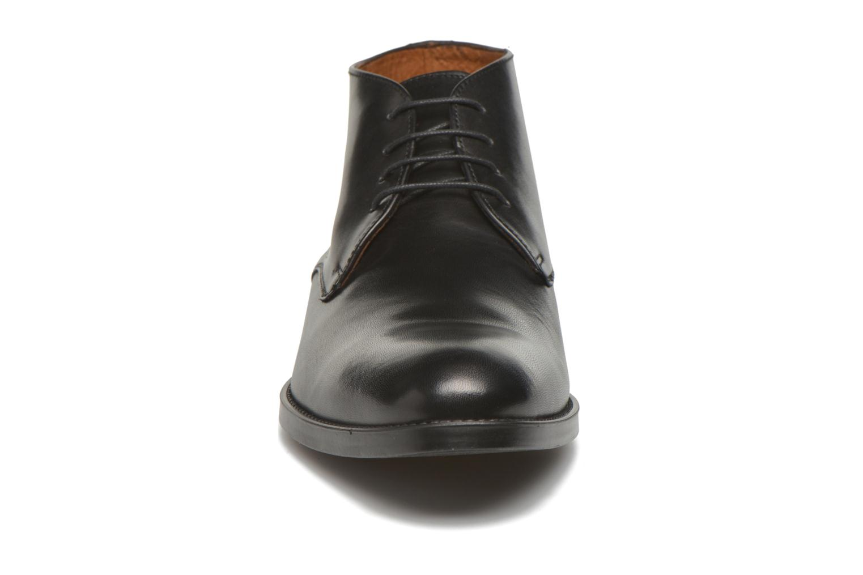 Scarpe con lacci Marvin&Co Tipton Nero modello indossato