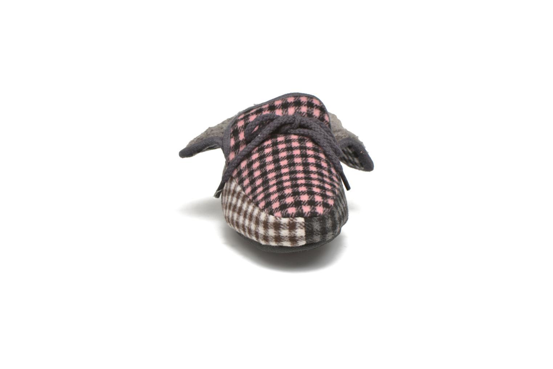 Pantuflas Ruby Brown Sian Multicolor vista del modelo