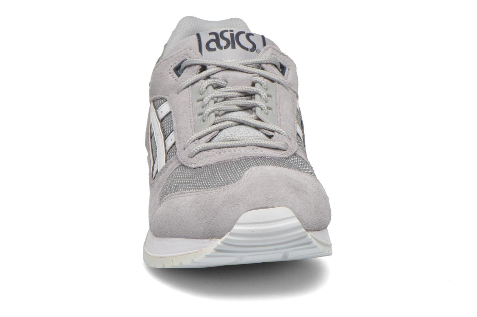 Trainers Asics Gel-Respector Grey model view
