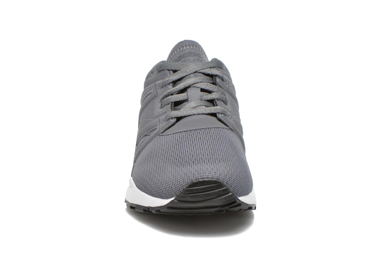 Baskets Reebok Ventilator adapt Gris vue portées chaussures