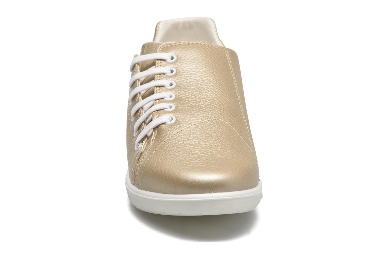 Sneakers TBS Easy Walk Orrelie Oro e bronzo modello indossato
