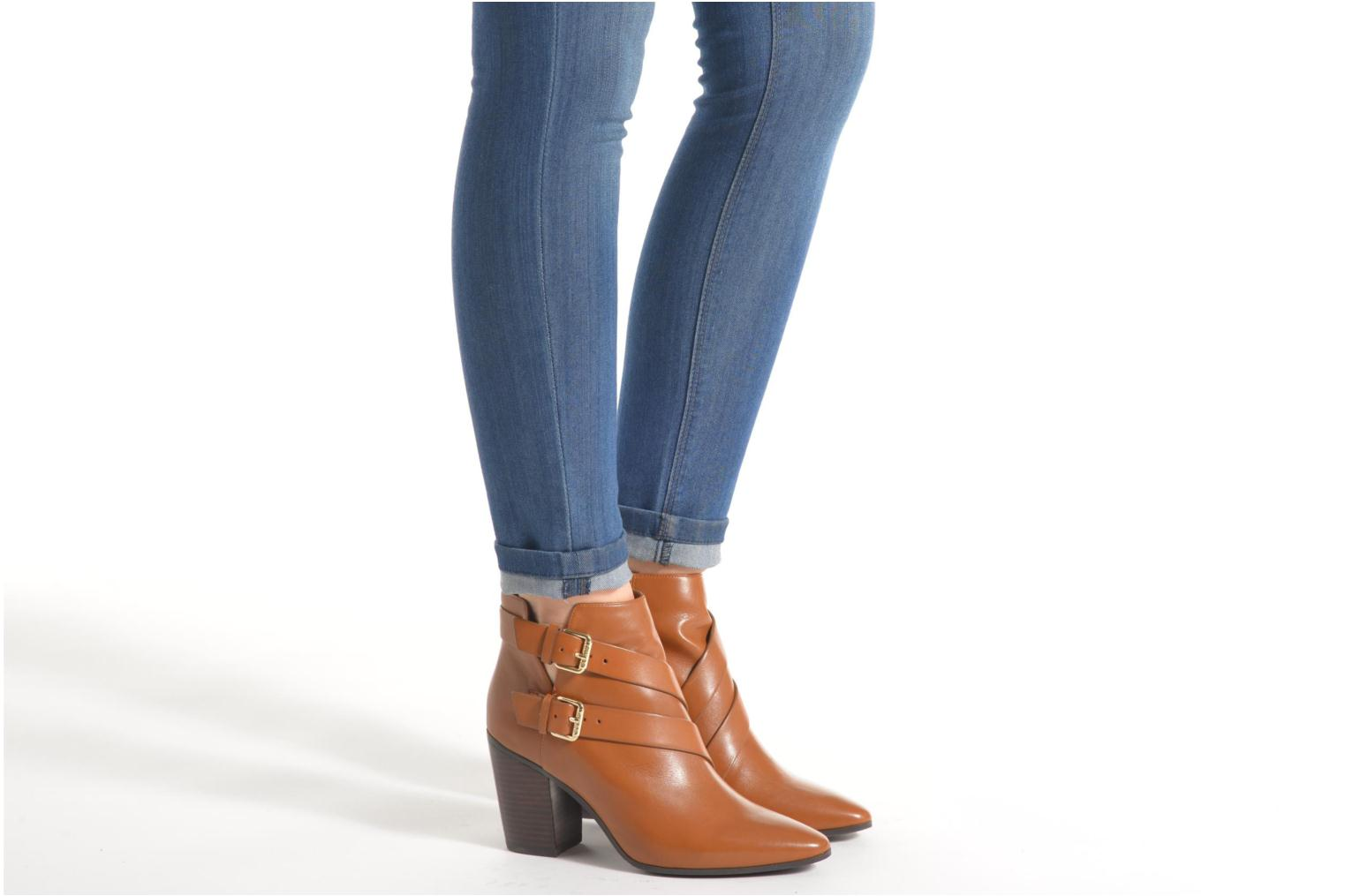 Ankle boots Guess Hea Brown view from underneath / model view
