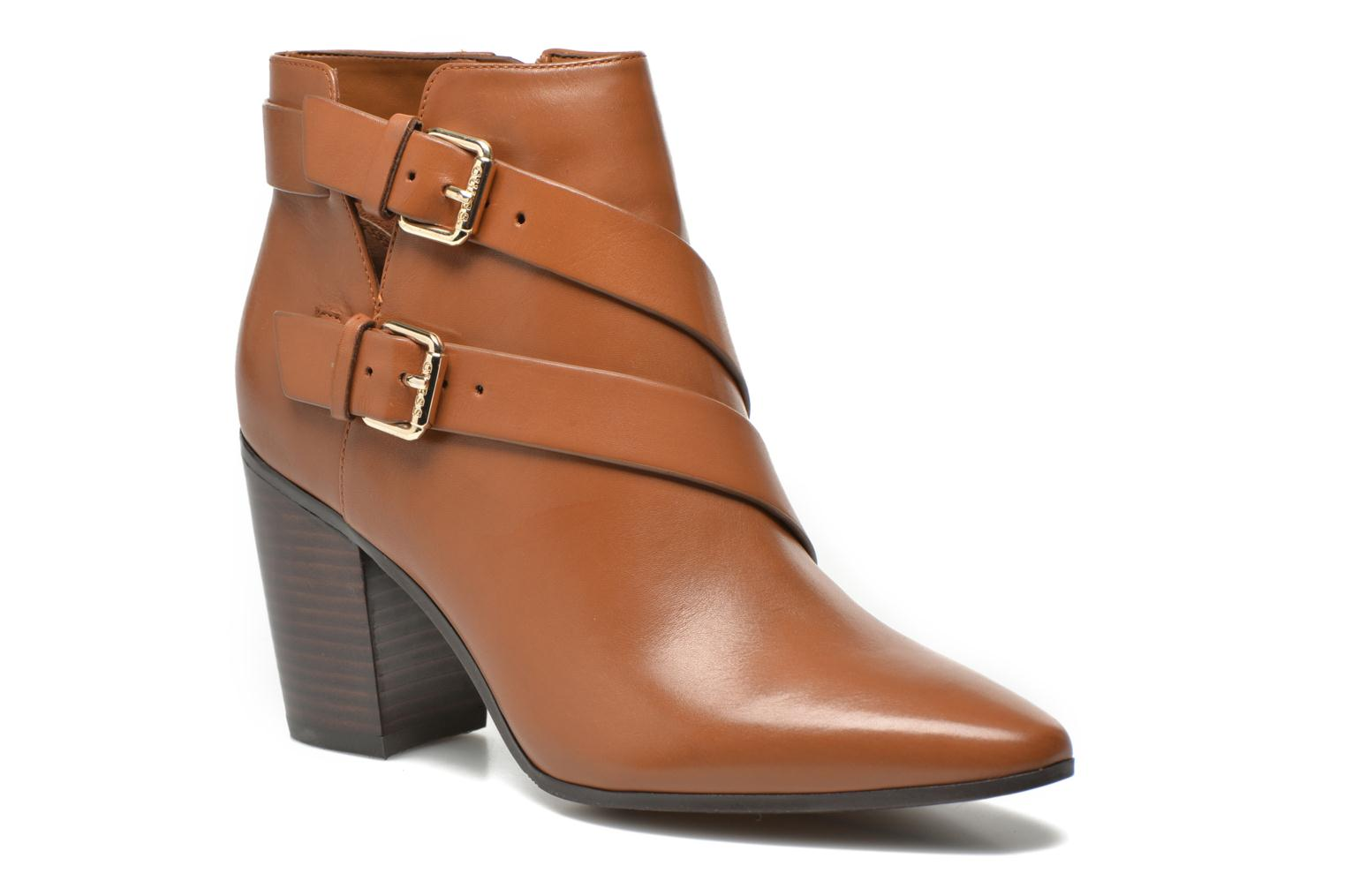 Guess Hea (Marron) - Bottines et boots chez Sarenza (269761)