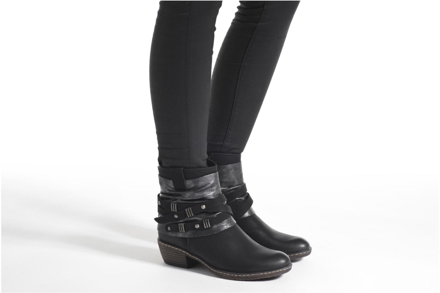 Ankle boots Rieker Gil K1483 Black view from underneath / model view